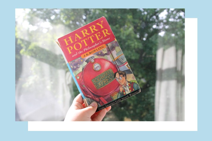 Front cover of Harry Potter & The Philosopher's Stone by J K Rowling