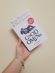 Cover of Good Omens - Terry Pratchett & Neil Gaiman