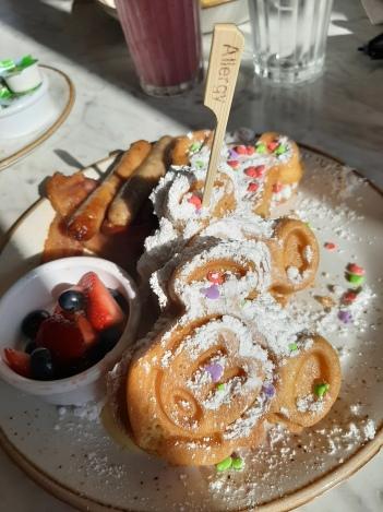 Breakfast at The Plaza, Magic Kingdom | rosie abigail