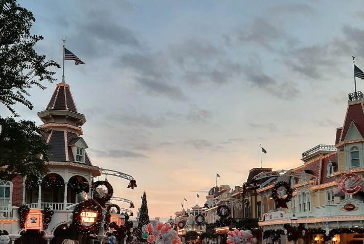 Main Street USA, Magic Kingdom, at dusk