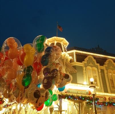 Magic Kingdom at night | rosie abigail