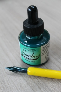 Close up on the ink pen kit